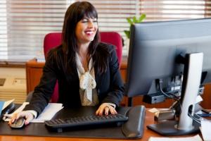 secretaria-trabajando